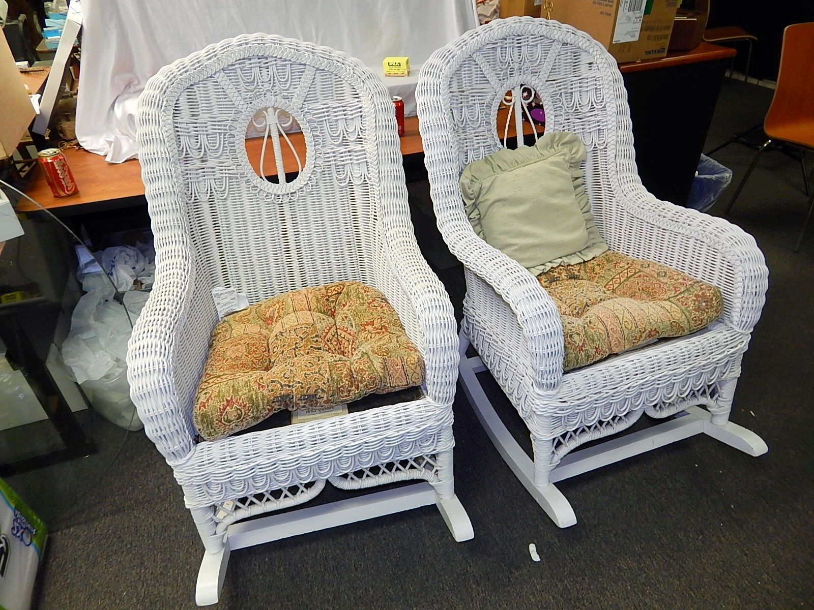 Fashionable Furniture: Henry Link White Wicker Rocking Chair 2 Available Furniture For White Wicker Rocking Chairs (View 5 of 15)