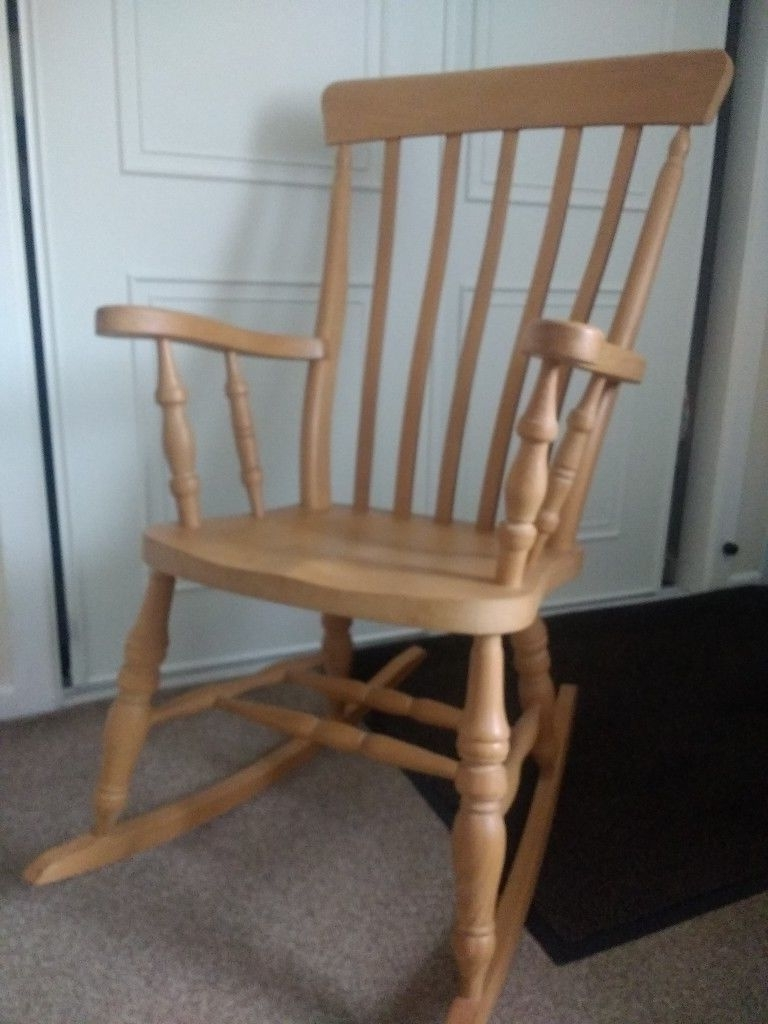 Fashionable Pine Rocking Chair (View 1 of 15)