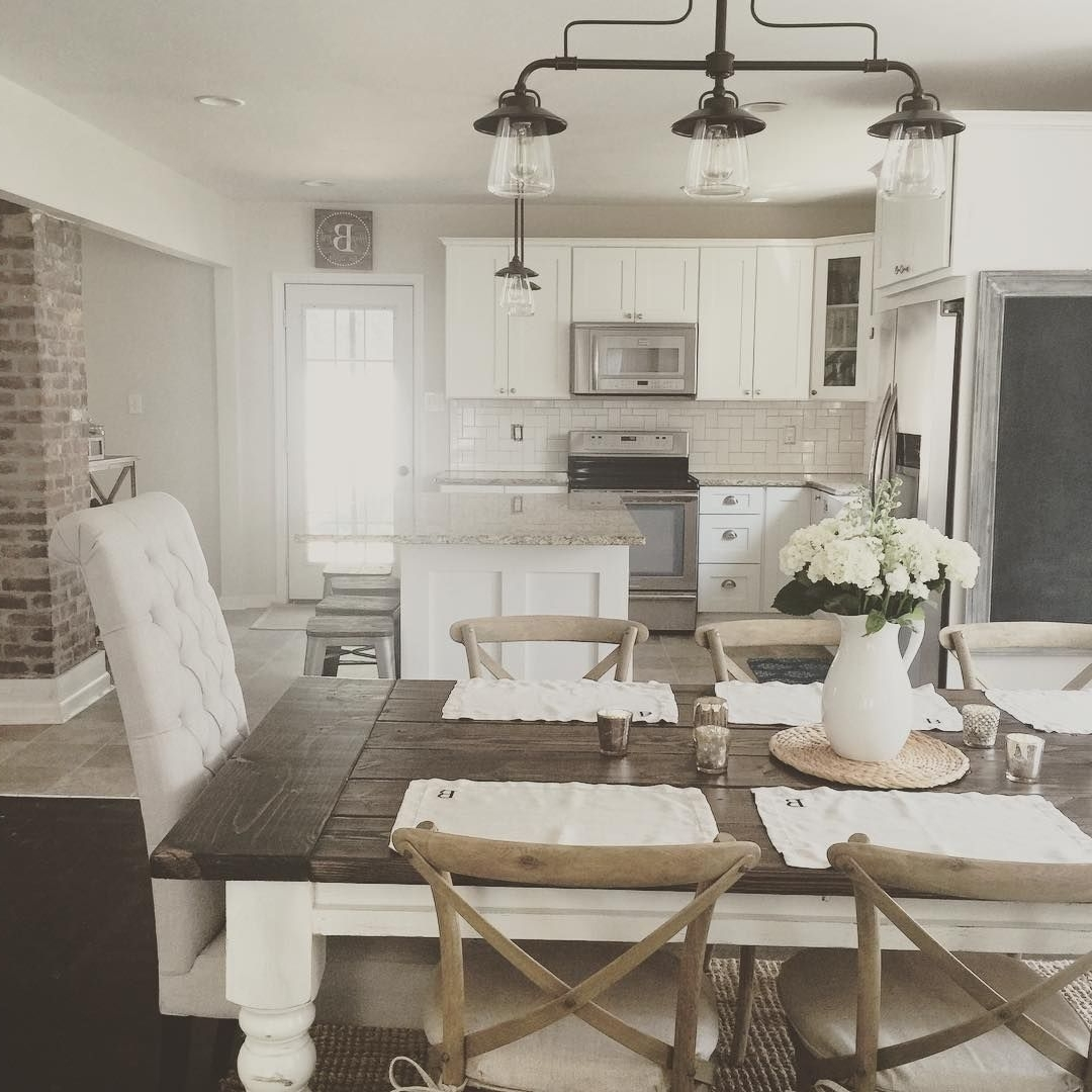 Fashionable Rustic Modern Farmhouse With Farmhouse Table With A Wood Top And With Regard To Living Room Table Top Lamps (View 5 of 15)