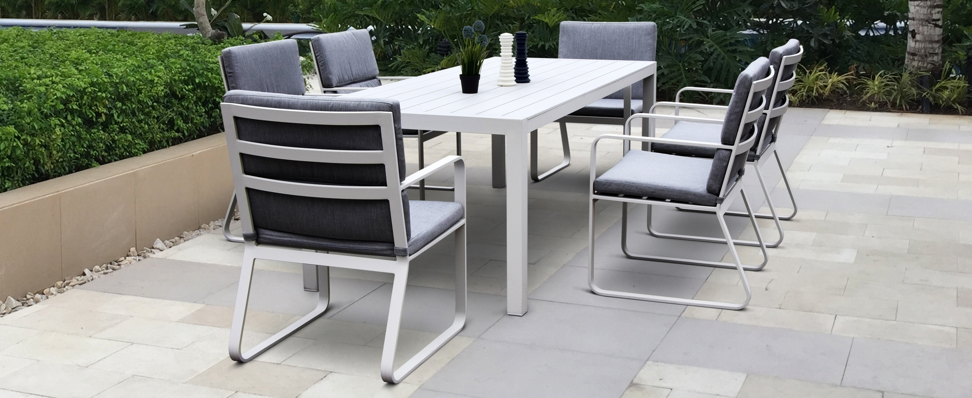 Nice Modern Aluminum Outdoor Furniture Ab Collections Cast Patio Inside Favorite Modern Patio Conversation Sets (View 14 of 15)