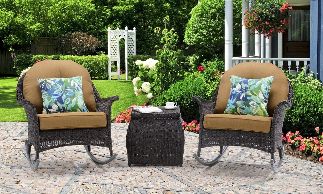 Popular Outdoor Rocking Chairs With Table Throughout 3 Tips For Buying Outdoor Rocking Chairs – Overstock (View 10 of 15)
