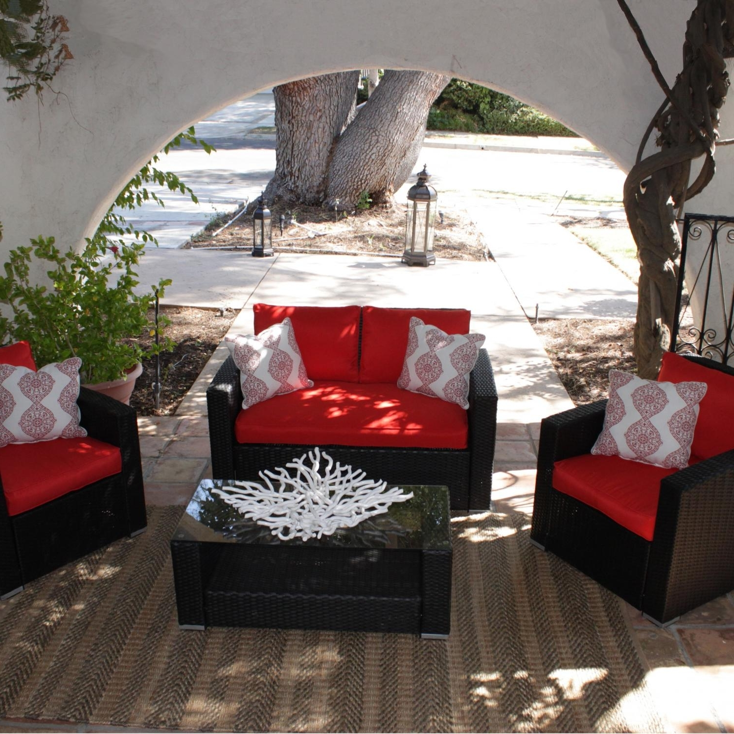 Red Patio Conversation Sets Within Best And Newest Caluco Key West 4 Person Resin Wicker Patio Conversation Set – Dark (View 3 of 15)