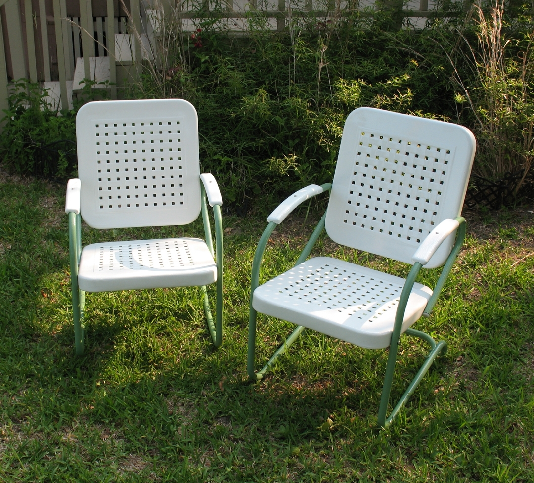 Retro Outdoor Rocking Chairs Intended For Latest Vintage Metal Lawn Chairs (View 10 of 15)