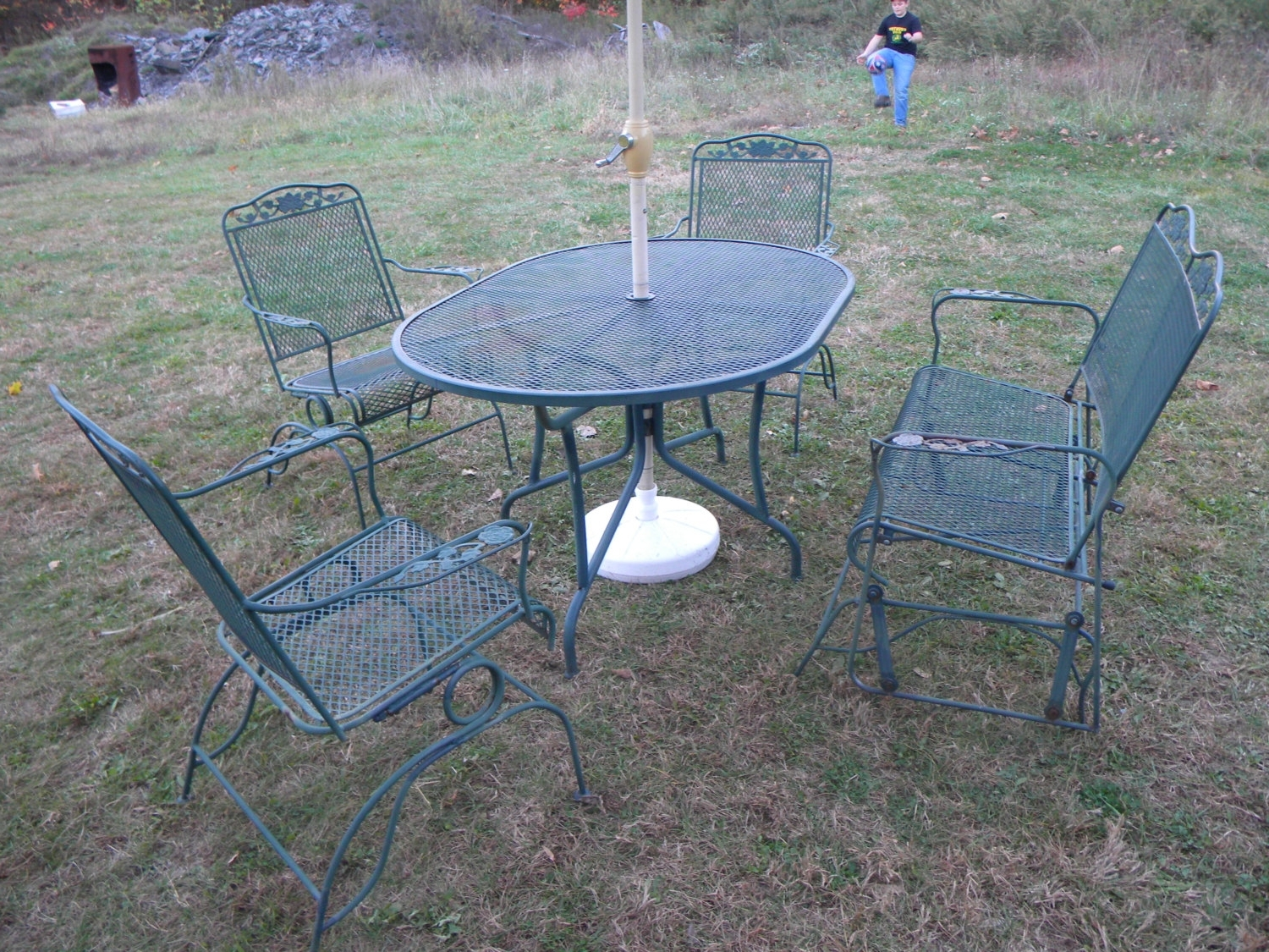 Vintage Metal Rocking Patio Chairs Pertaining To Widely Used 5 Pc Vintage 1970S Wrought Iron Mesh Metal Outdoor Rose Retro Metal (View 13 of 15)