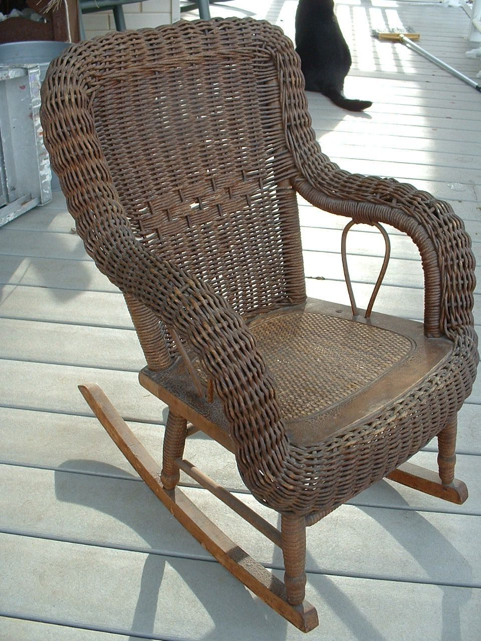 Wicker Furniture For Popular Antique Wicker Rocking Chairs With Springs (View 12 of 15)