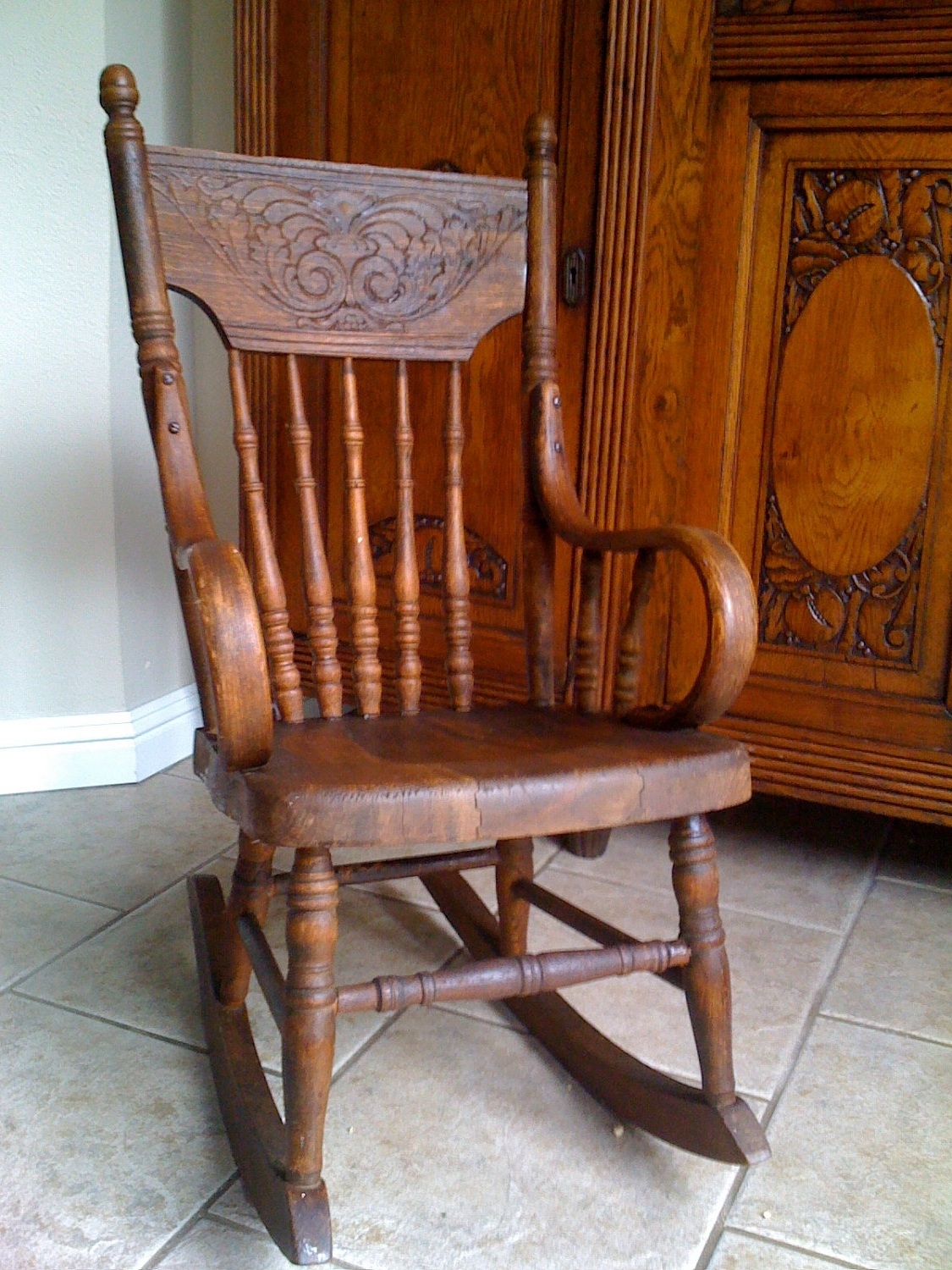 Widely Used Old Fashioned Rocking Chairs In Incredible Old Fashioned Rocking Chair Pertaining Luxury Interior (View 3 of 15)