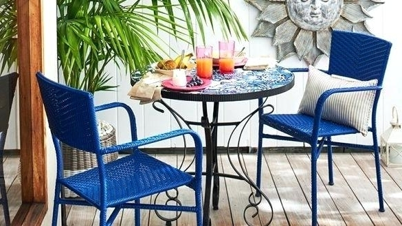 2017 Small Outdoor Furniture Set – Aussiepaydayloansfor For Patio Umbrellas For Small Spaces (View 2 of 15)