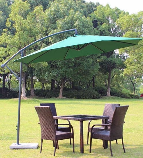 2018 Buy Luxury Side Pole Patio Umbrella In Green Colouradapt Affairs Pertaining To Green Patio Umbrellas (View 5 of 15)