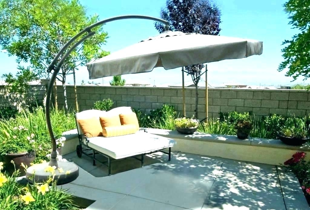 Free Standing Umbrellas For Patio With Regard To Trendy Lowes Umbrella Stand Fascinating Free Standing Patio Umbrella Ideas (View 12 of 15)