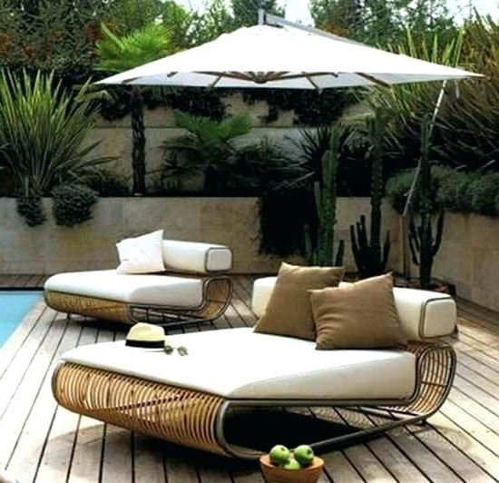 Featured Photo of Upscale Patio Umbrellas