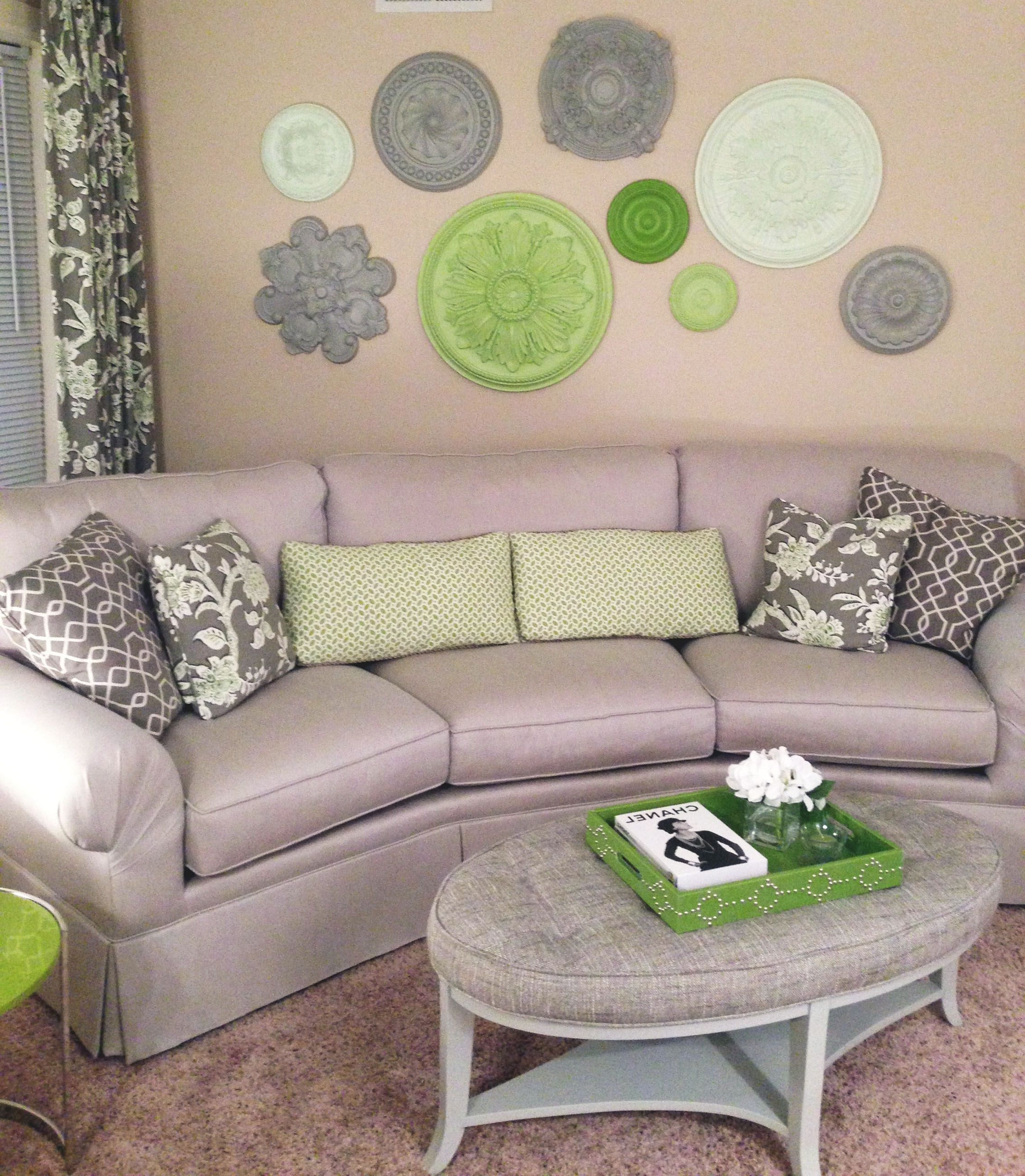 Latest Silver And Green Hues Make For A Serene Combination (View 3 of 15)