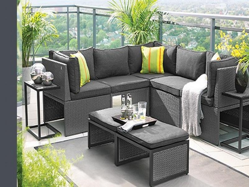 Featured Photo of Patio Umbrellas For Small Spaces