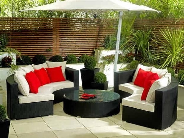Outdoor Patio Furniture Sets For Small Spaces With Umbrella With Regard To Most Recently Released Patio Umbrellas For Small Spaces (View 2 of 15)