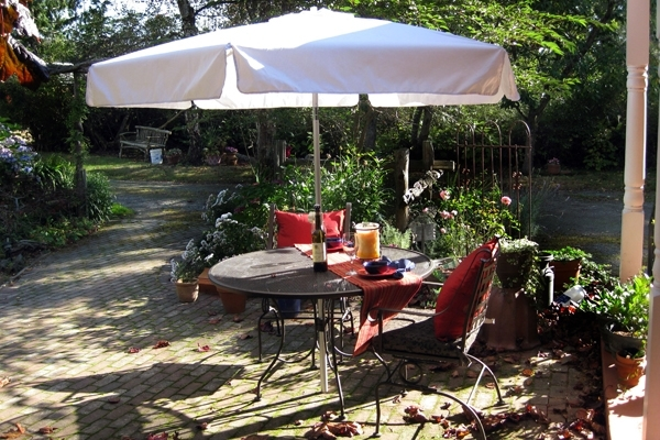 Patio Umbrellas For Rent Intended For 2017 Umbrellas & Table Rentals For Burlington, Bellingham, Seattle (View 7 of 15)