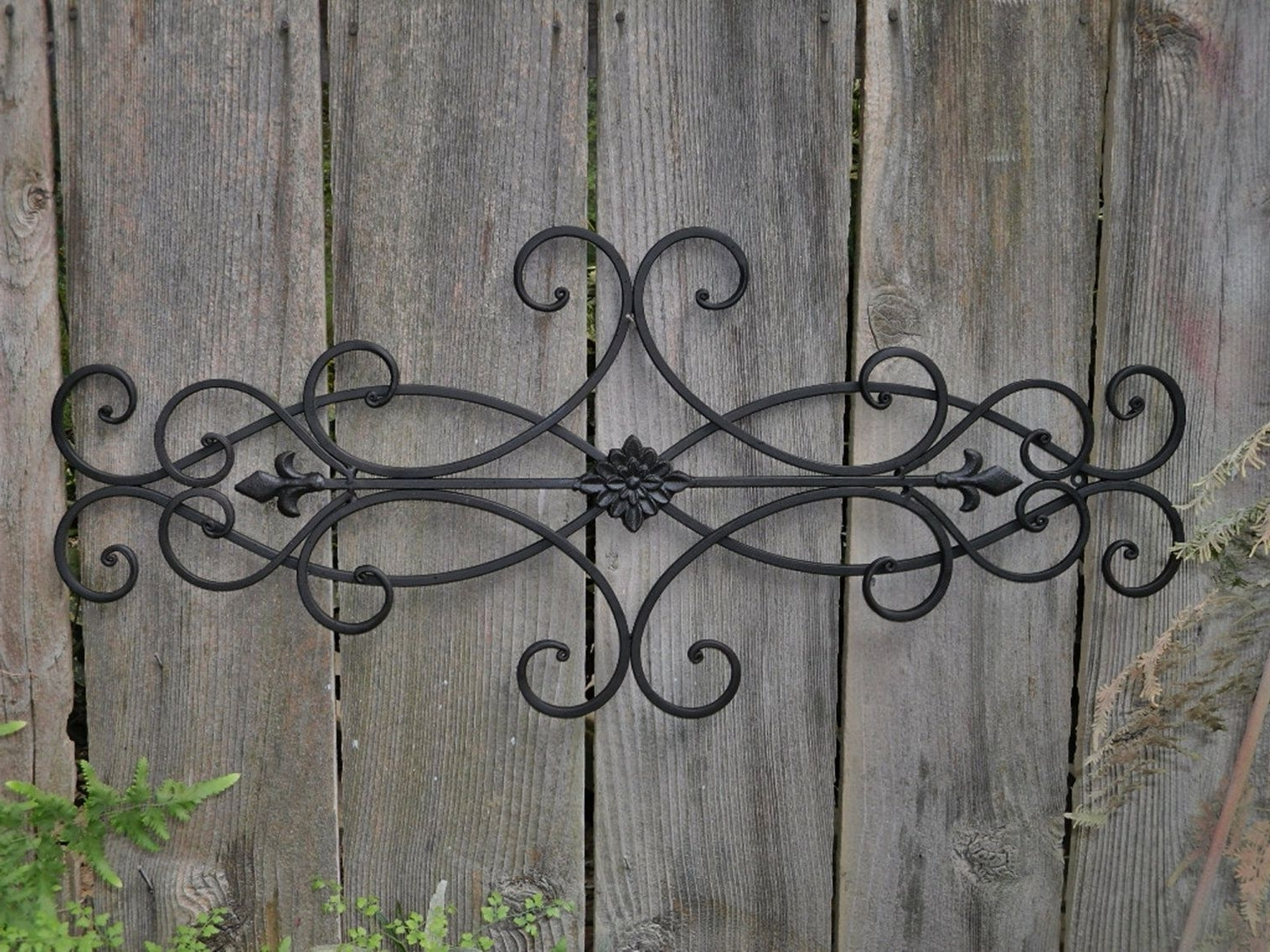 Trendy Exterior Wall Art (View 2 of 15)
