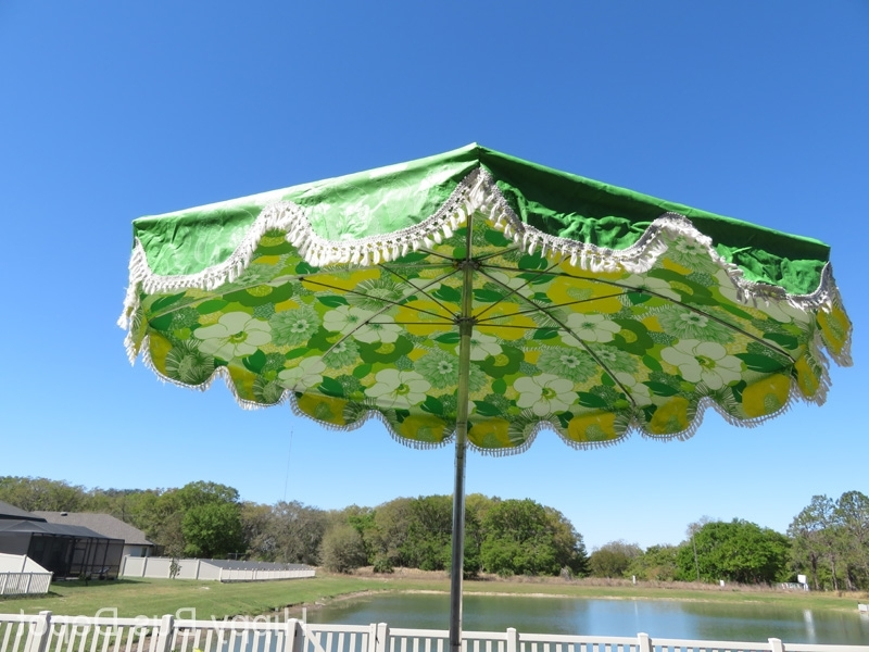 "Vinyl Patio Umbrellas With Fringe Throughout Favorite 86"" Mid Century Modern Lime Green Flower Power Vinyl Patio Umbrella (View 8 of 15)"