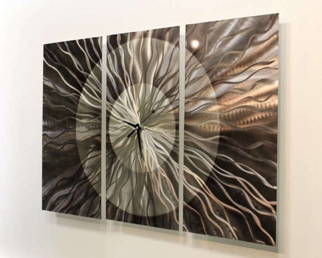 Featured Photo of Abstract Metal Wall Art With Clock