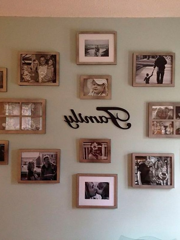 Best And Newest Family Photo Wall Art Inside Ocho Formas Originales De Colocar Las Fotos De Familia (View 3 of 15)