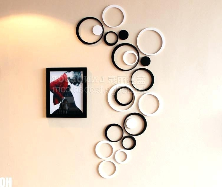 Diy Circle Metal Wall Art Crisscross Black And Silver Contemporary With Regard To Most Recently Released Circle Bubble Wave Shaped Metal Abstract Wall Art (View 7 of 15)