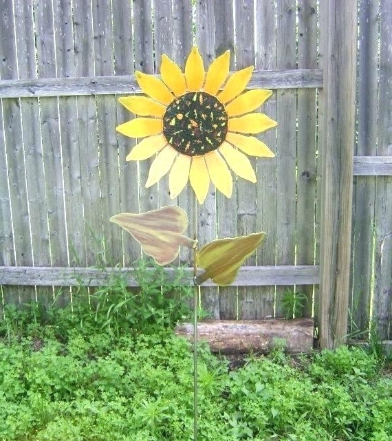 Most Up To Date Large Metal Flowers Yard Art Metal Flowers Yard Art How To Make For Within Metal Sunflower Yard Art (View 11 of 15)
