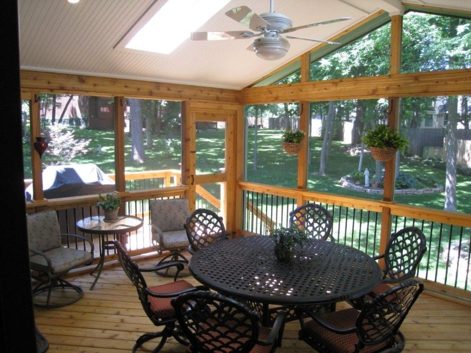 Outdoor Ceiling Fans For Screened Porches With Trendy Exterior: Minimalist Outdoor Living Space Decoration Using Round (View 12 of 15)