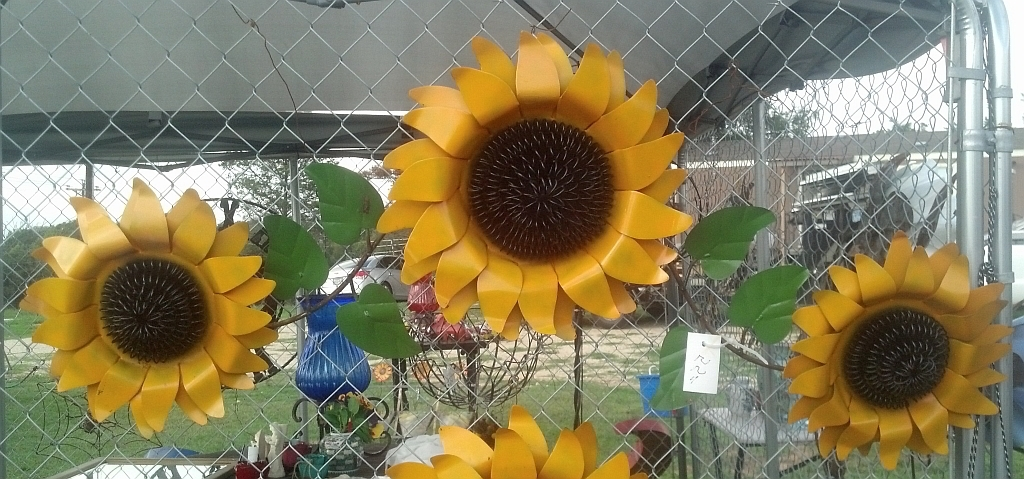 Westwood Pavillion In Metal Sunflower Yard Art (View 15 of 15)