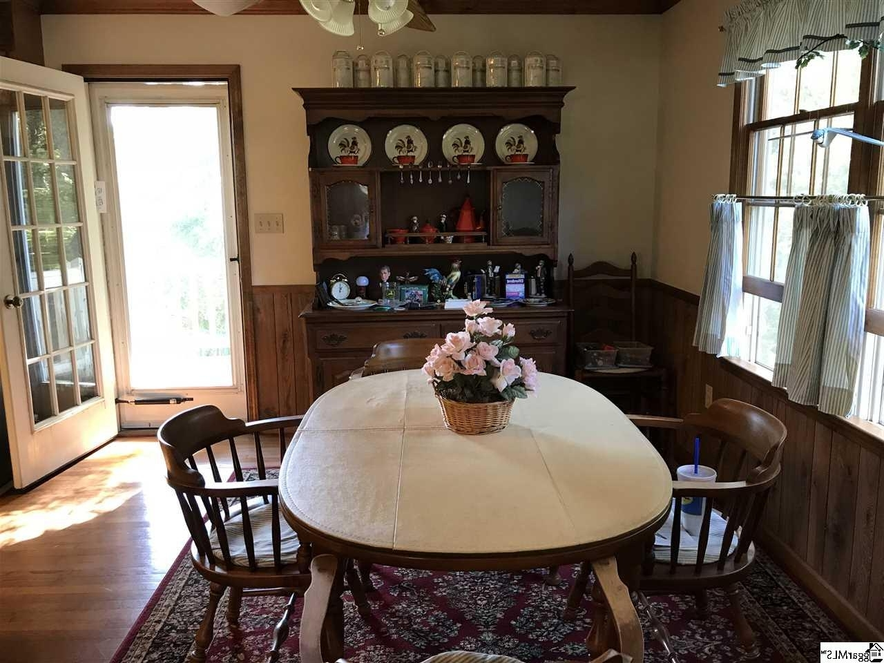 1500 Old Mill Road – Easley – Wyatt Oaks – 1375127 Pertaining To Most Current Wyatt 6 Piece Dining Sets With Celler Teal Chairs (View 25 of 25)