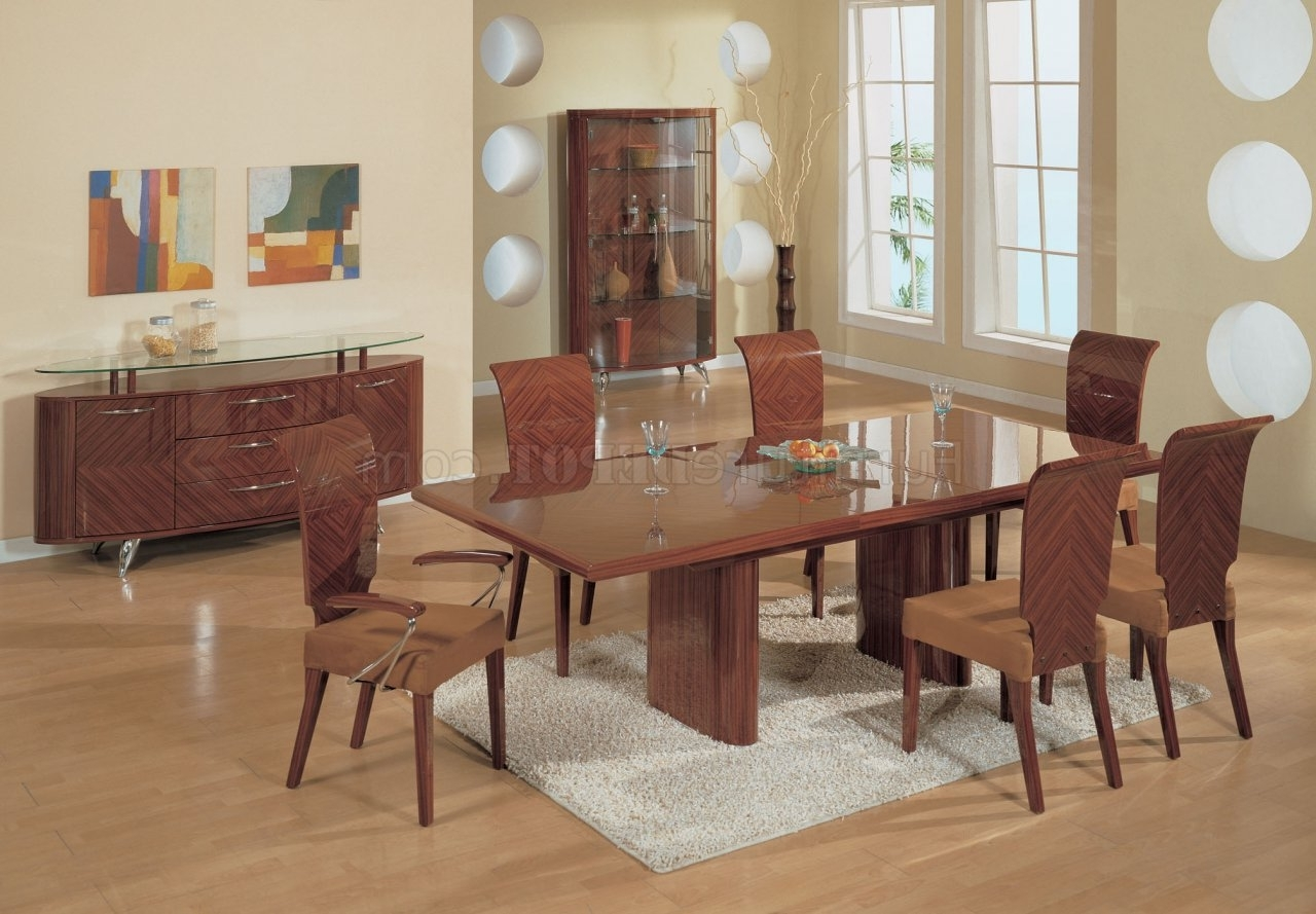 2018 Half Brown High Gloss Finish Contemporary Dining Set Regarding Gloss Dining Tables Sets (View 2 of 25)