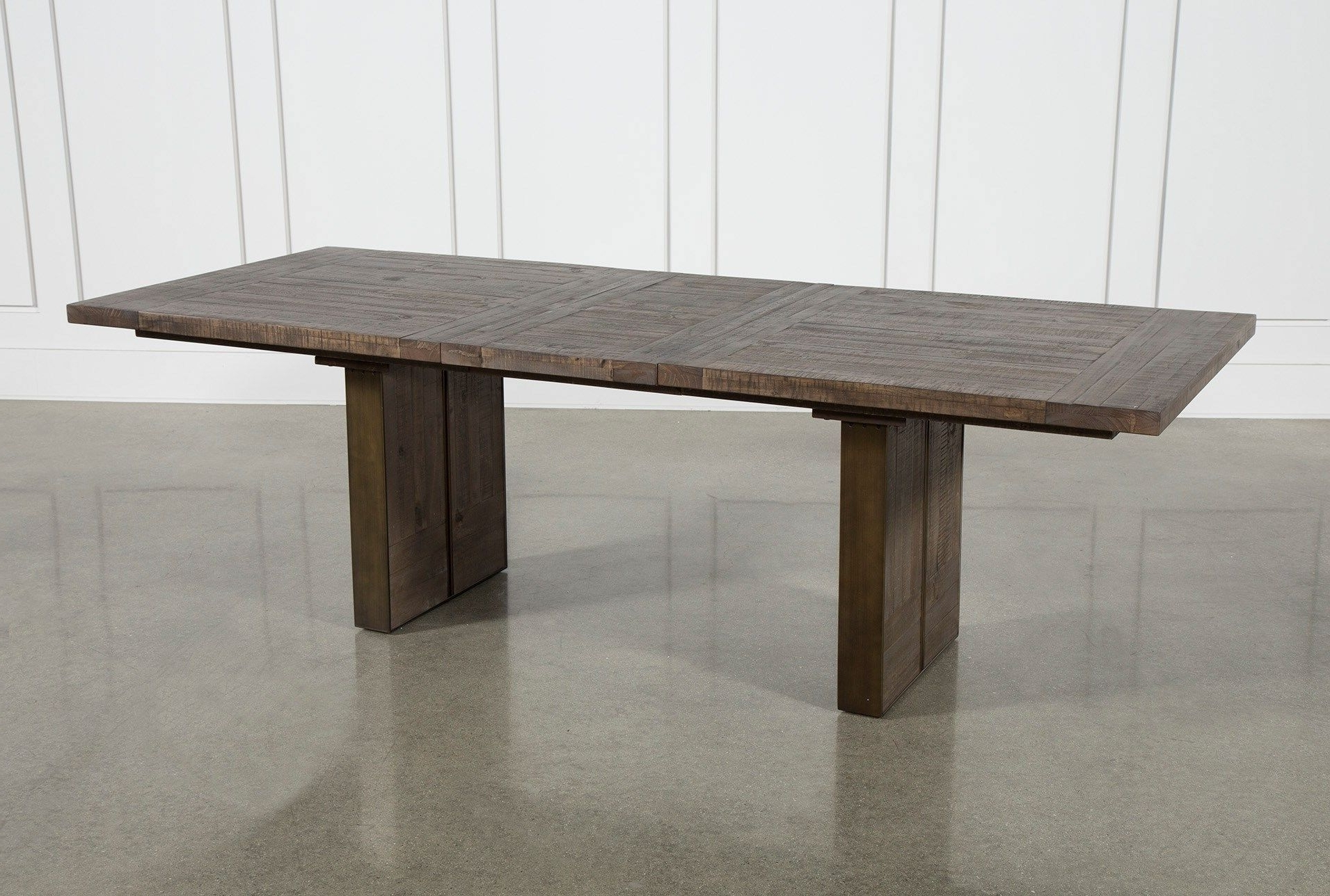 2018 Lassen Extension Rectangle Dining Table