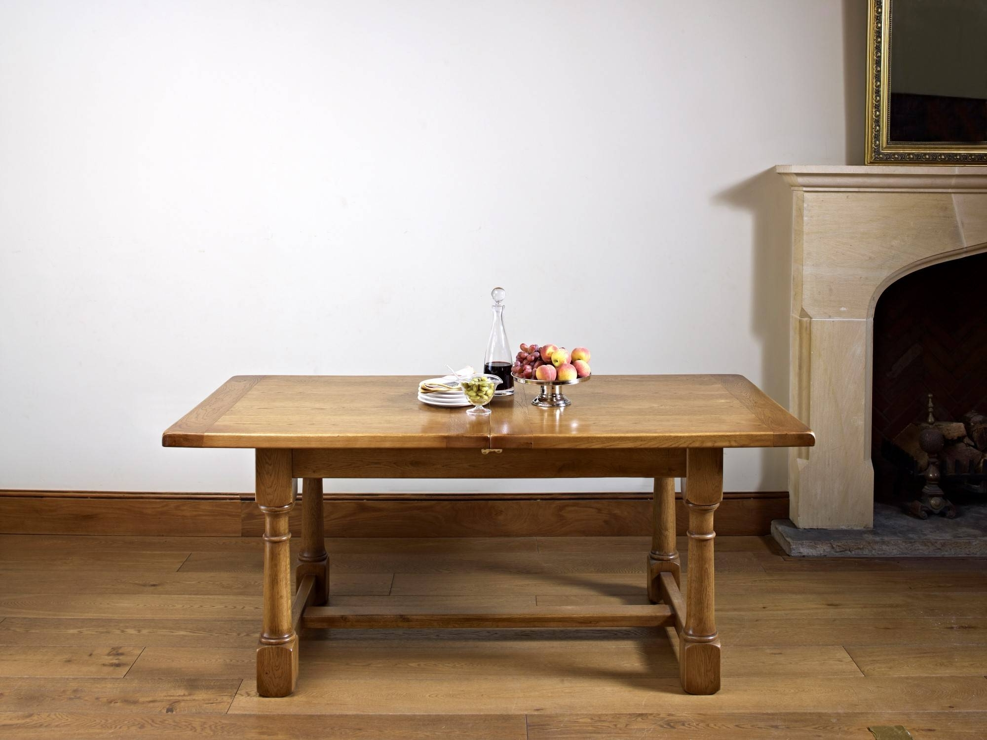 2018 Old Charm Chatsworth Extending Dining Table At Lukehurst In Chatsworth Dining Tables (Gallery 2 of 25)