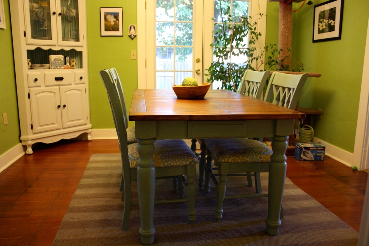 A Blue Farmhouse Dining Table For Favorite Green Dining Tables (View 2 of 25)
