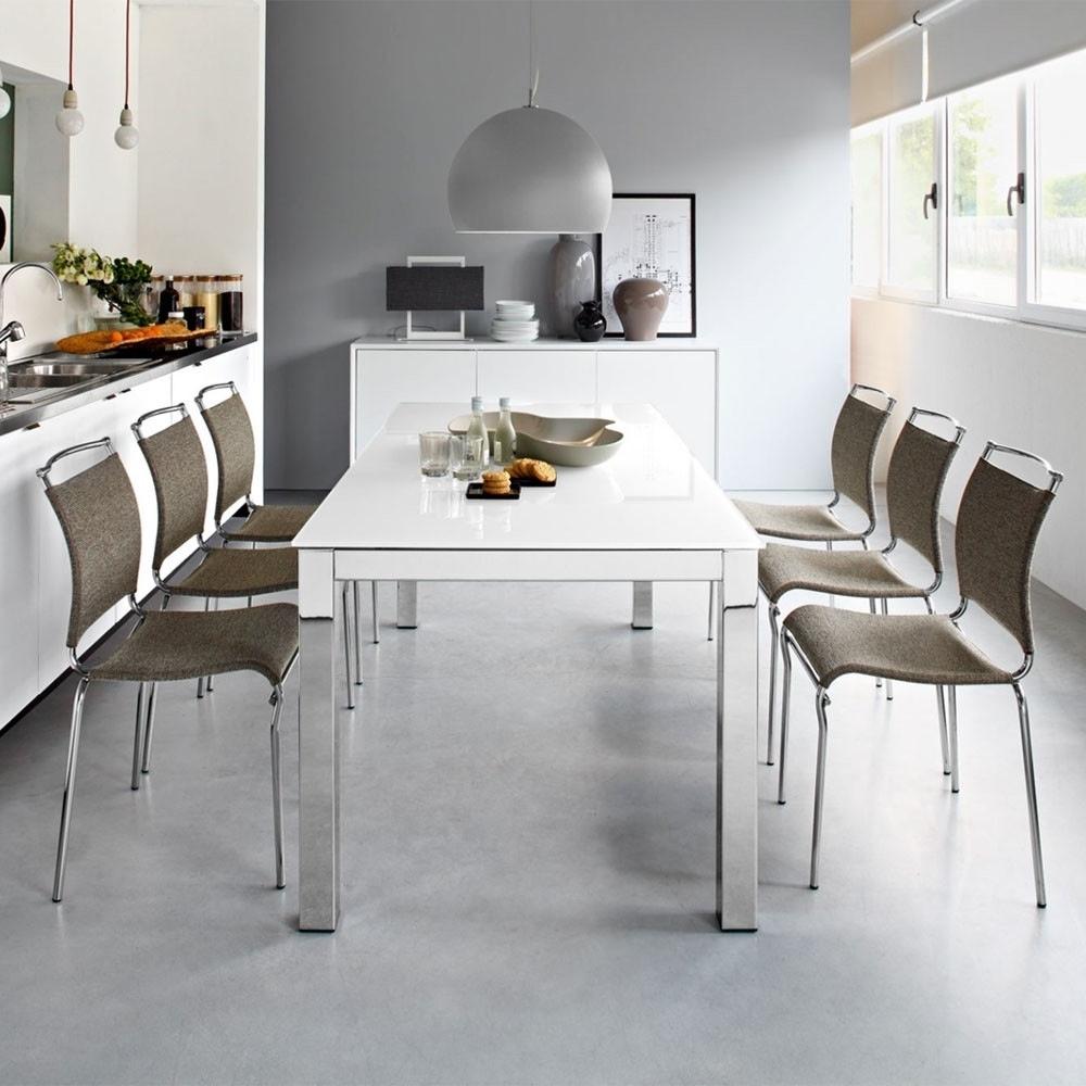 Aprilia Extending Glass Dining Table For Latest Extending Glass Dining Tables (Gallery 5 of 25)