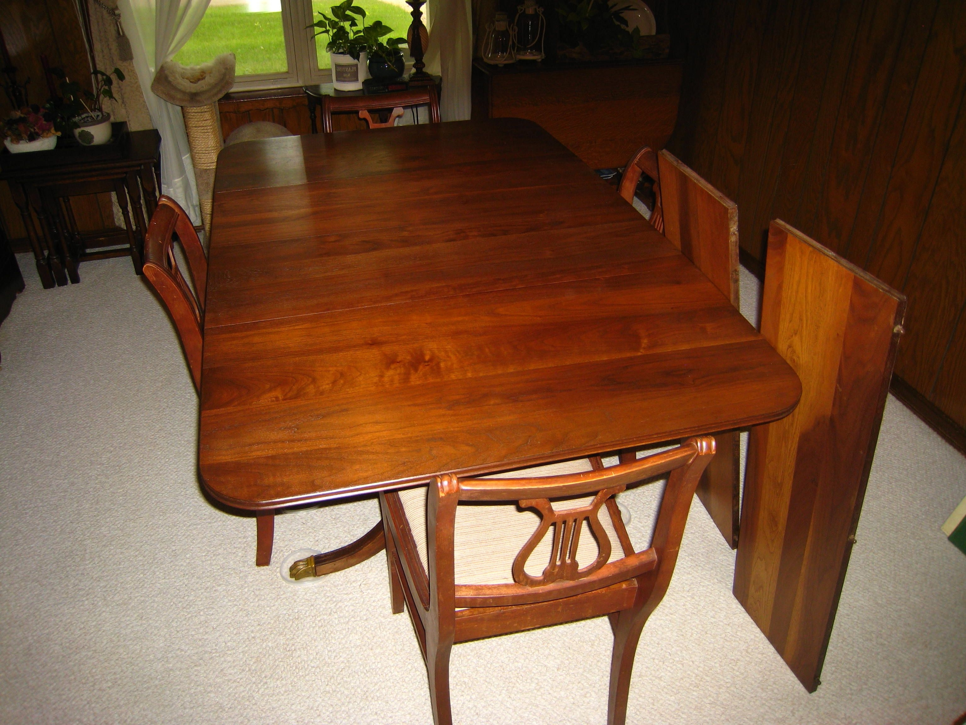 Banded Mahogany Duncan Phyfe Style Dining Table W/ Brass Claw Feet Regarding Well Known Mahogany Dining Tables And 4 Chairs (Gallery 2 of 25)