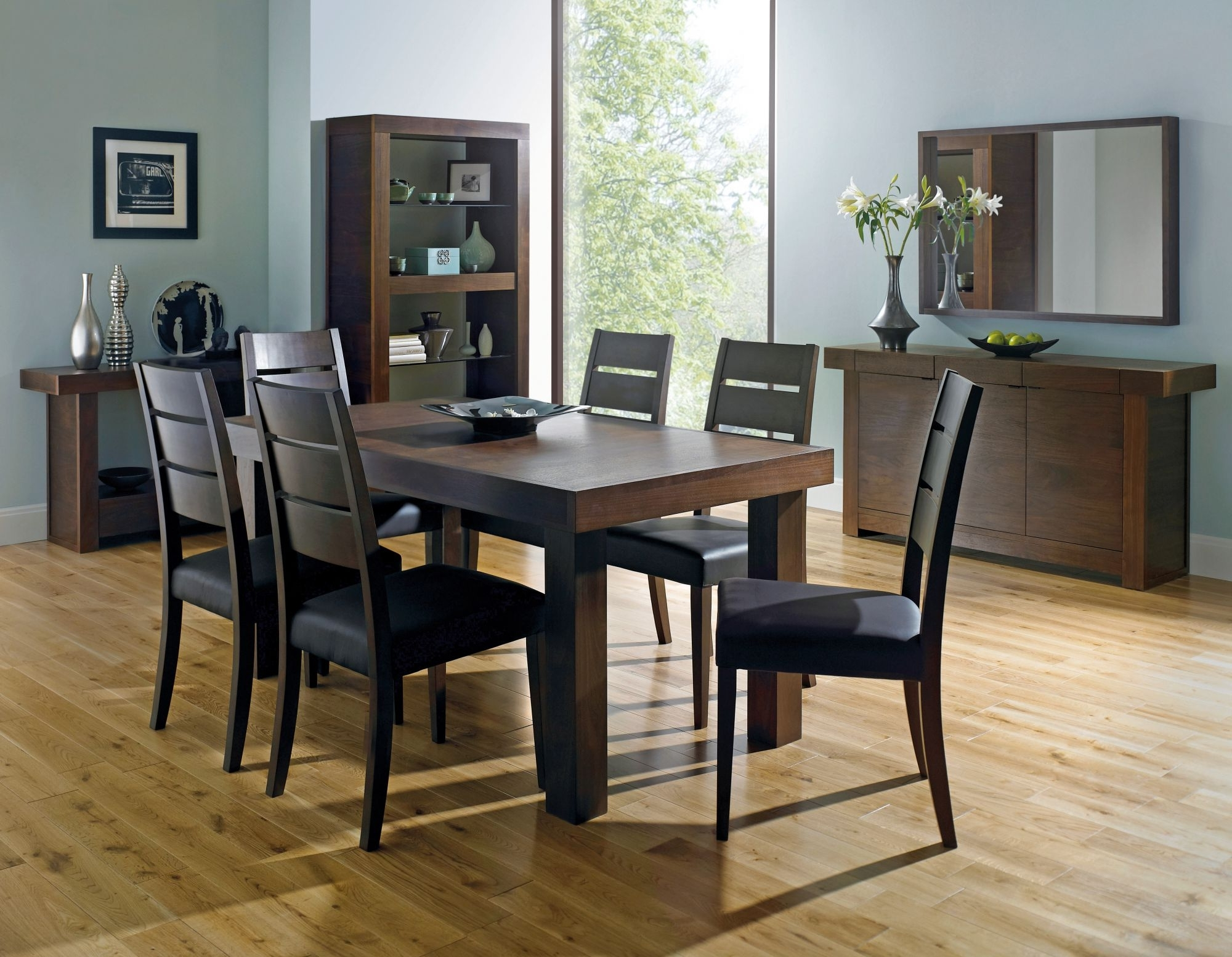 Bentley Designs Akita Walnut 4 6 End Extending Dining Table + 4 With Regard To Current Walnut Dining Table And 6 Chairs (View 4 of 25)