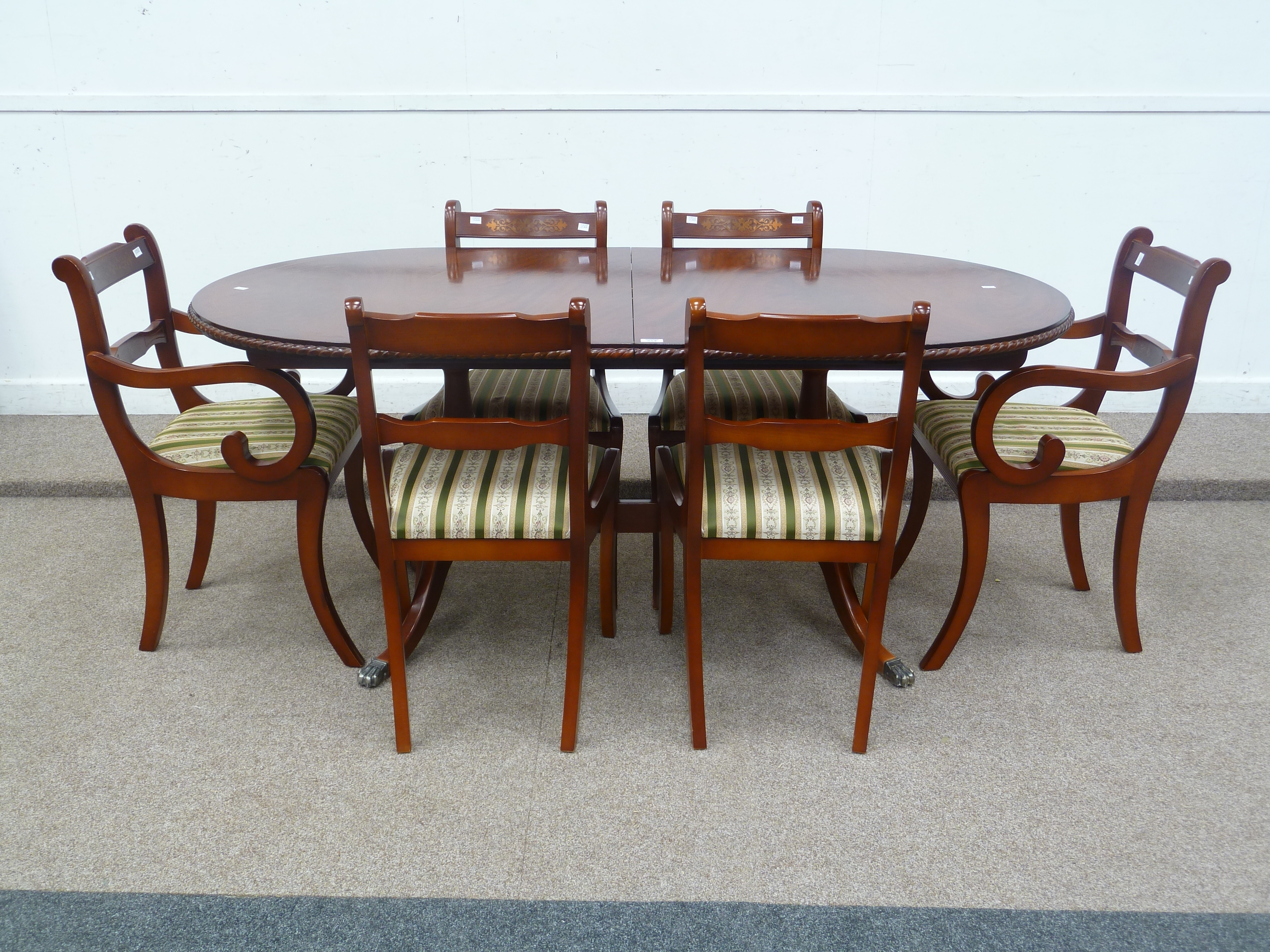 Beresford & Hicks Regency Style Reproduction Mahogany Extending Within Fashionable Mahogany Extending Dining Tables (View 4 of 25)