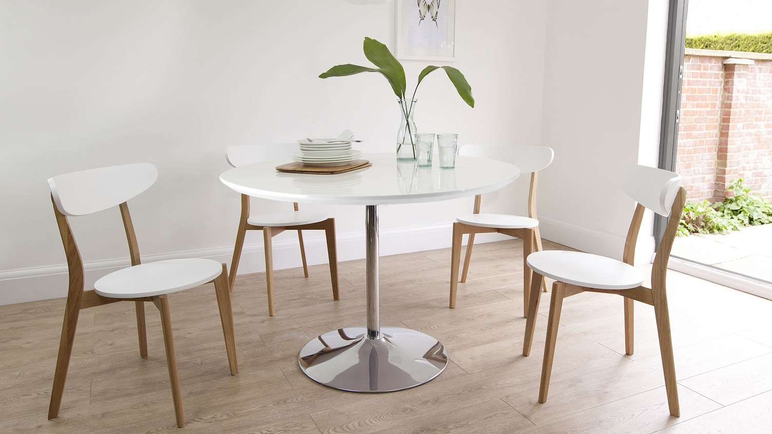 Best And Newest Dining Room Attractive Coaster Damen Round Dining Table Beautifully With Regard To Pisa Dining Tables (View 8 of 25)