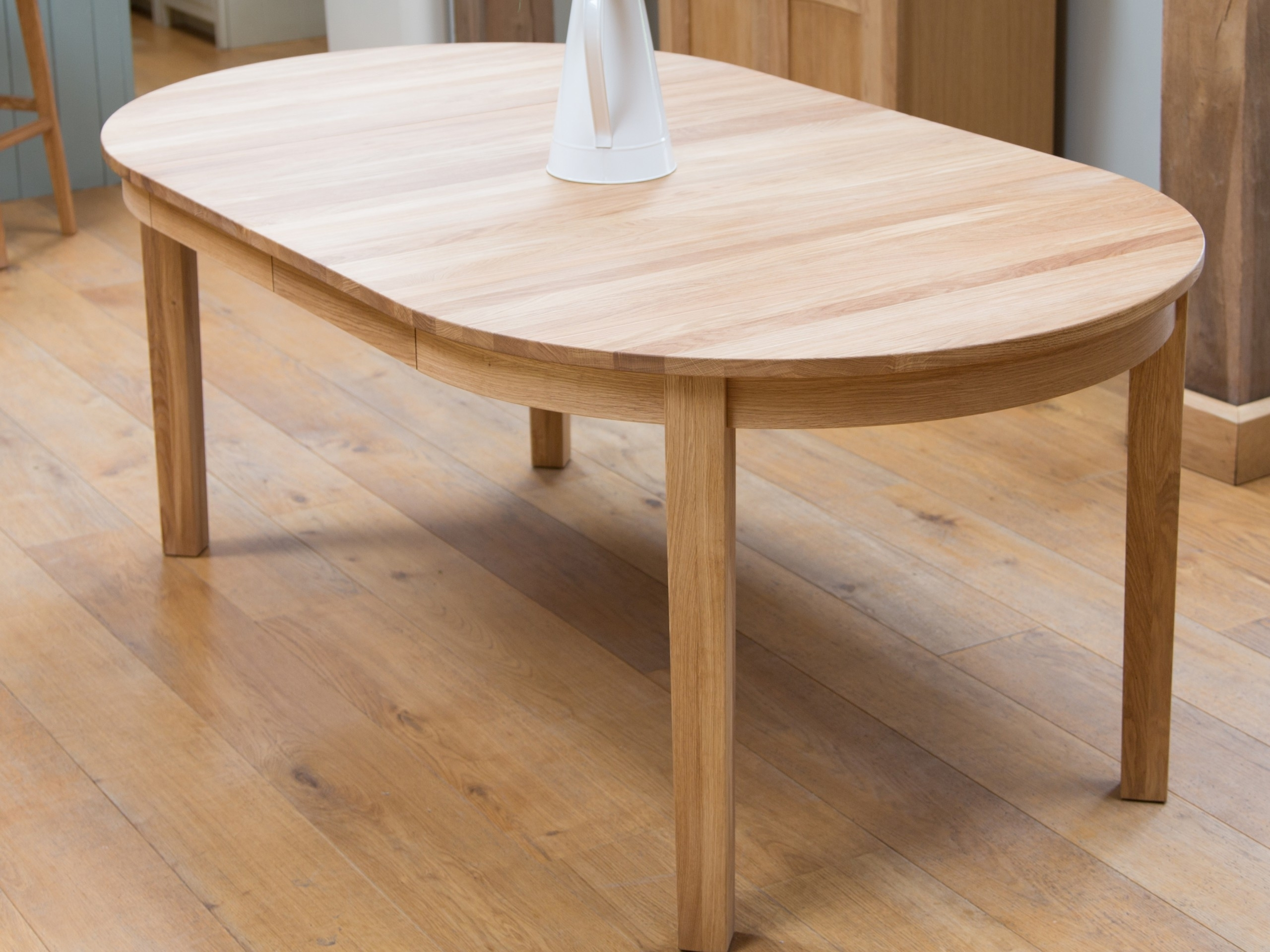 Best And Newest Round Extending Dining Tables And Chairs Intended For Round Extendable Dining Table Design (View 4 of 25)