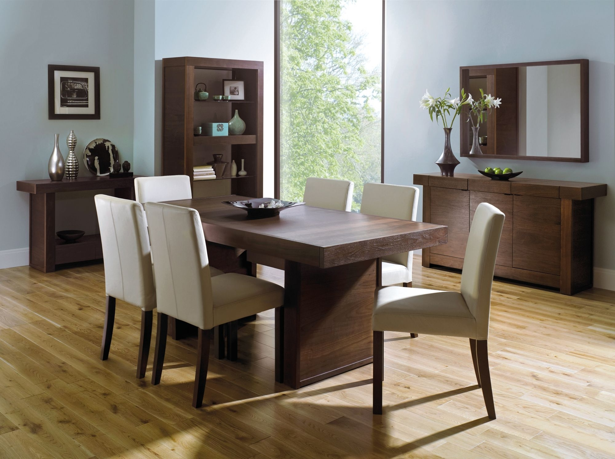 Best And Newest Walnut Dining Tables And 6 Chairs With Akita 4 6 End Extension Dining Table (View 4 of 25)