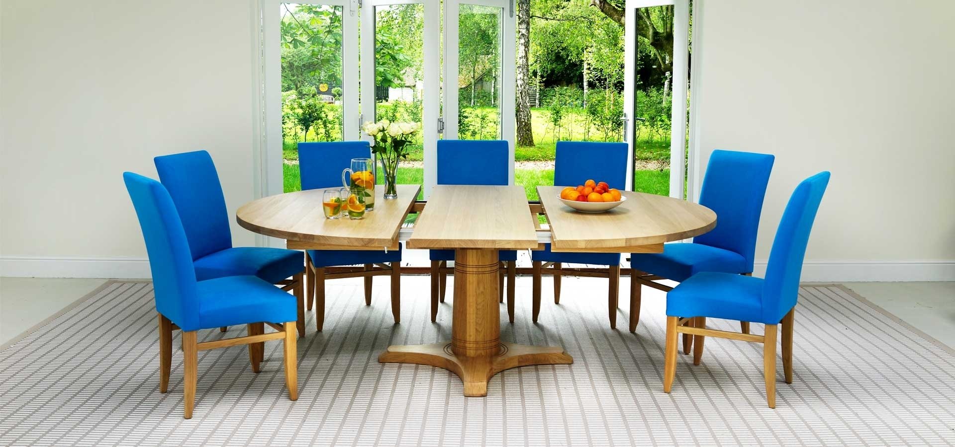 Circular Extending Dining Tables And Chairs With Regard To Recent Contemporary Round Dining Table (View 11 of 25)