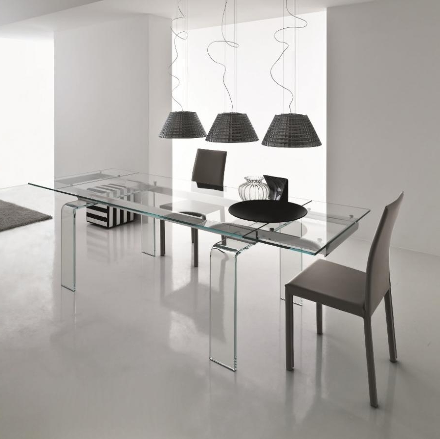Clear Plastic Dining Tables For Latest Light, Alll Glass Extendible Dining Tablecompar (View 7 of 25)