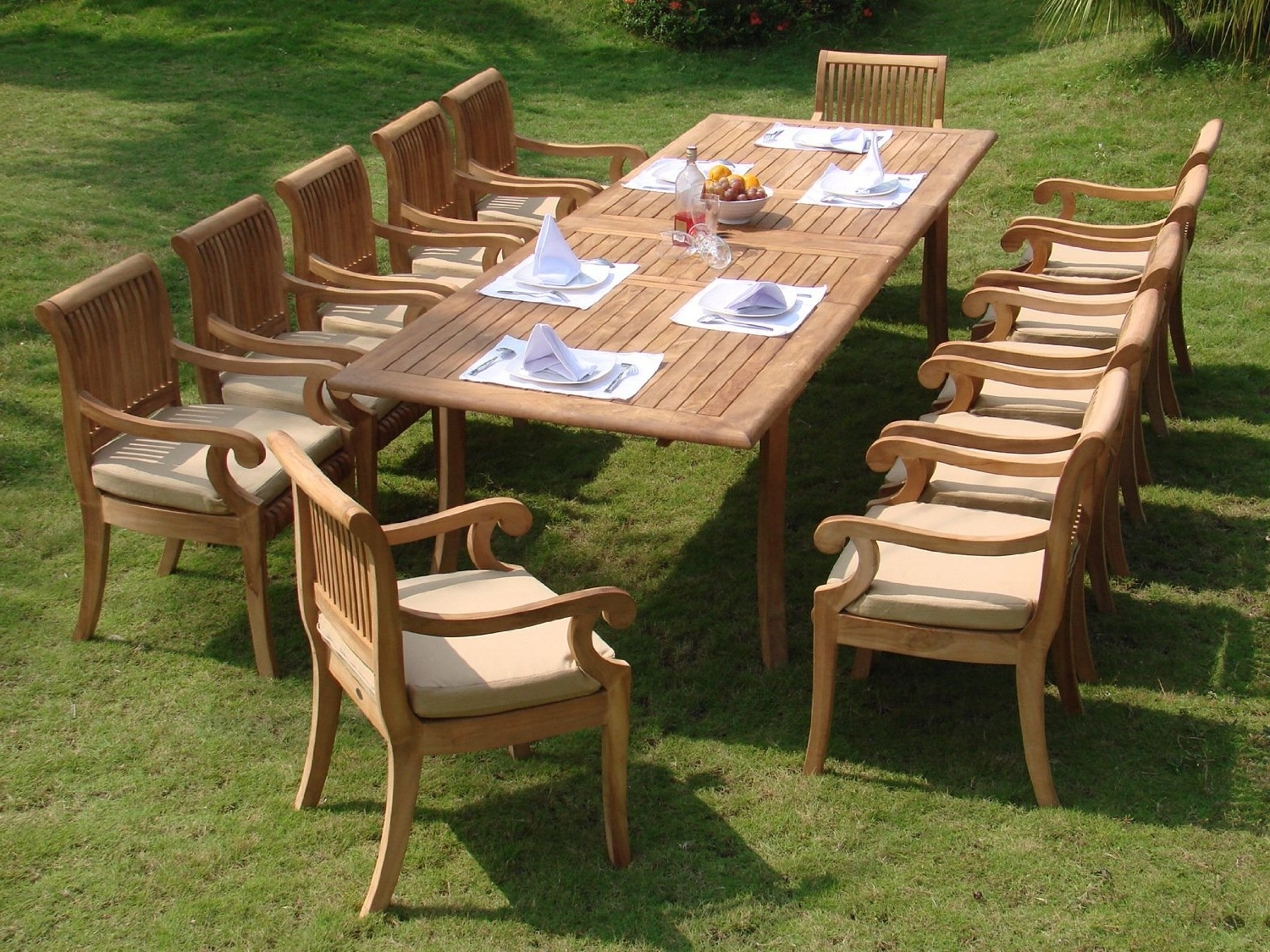 Compare And Choose: Reviewing The Best Teak Outdoor Dining Sets With Well Liked Outdoor Dining Table And Chairs Sets (View 12 of 25)
