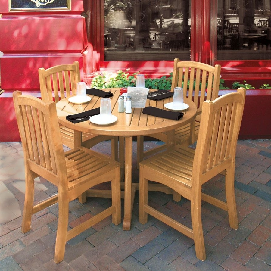Country Casual Regarding Favorite Helms Round Dining Tables (View 4 of 25)