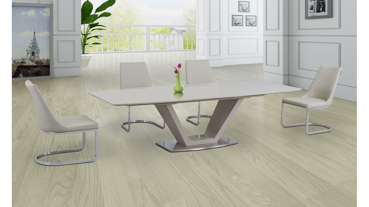 Cream Glass High Gloss Extending Dining Table And 6 Cream Chairs With Regard To Most Recent High Gloss Cream Dining Tables (View 21 of 25)
