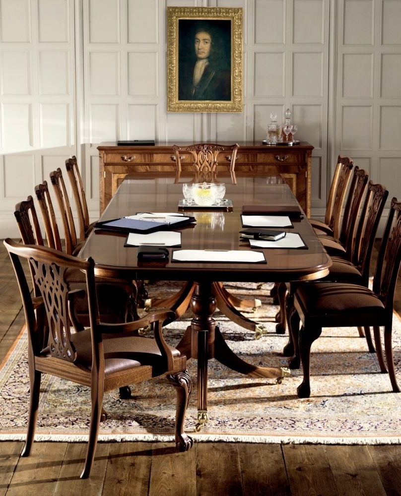 Current Mahogany Extending Dining Tables And Chairs Within Traditional Mahogany Extending Dining Table (View 3 of 25)