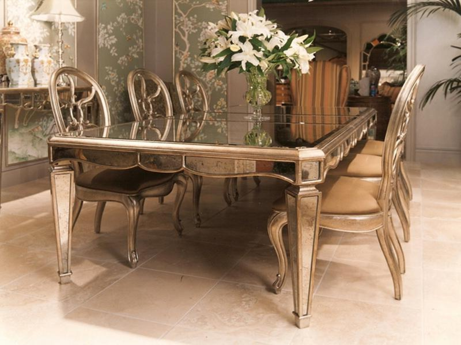 Current Mirror Dining Table – Theradmommy Throughout Mirrored Dining Tables (View 6 of 25)