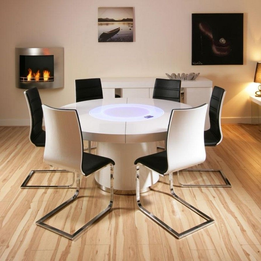 Current Round High Gloss Dining Tables Within Large Round White Gloss Dining Table & 6 White / Black Dining Chairs (View 4 of 25)