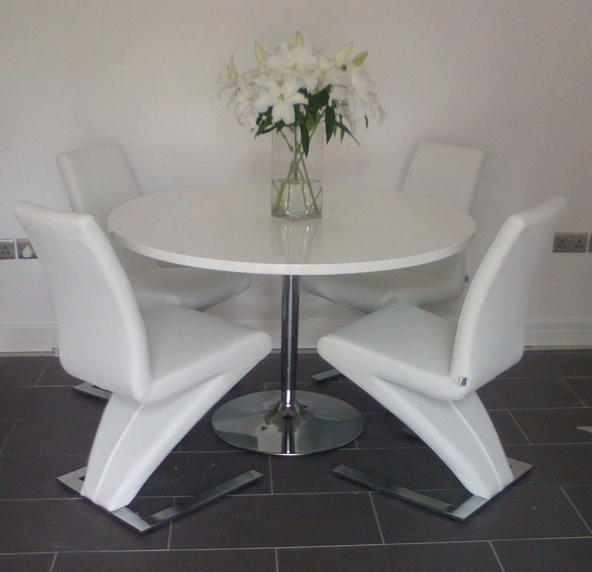 Current White Gloss Dining Tables 120Cm Regarding Becky Round White High Gloss Dining Table 120Cm Discontinued For (View 14 of 25)