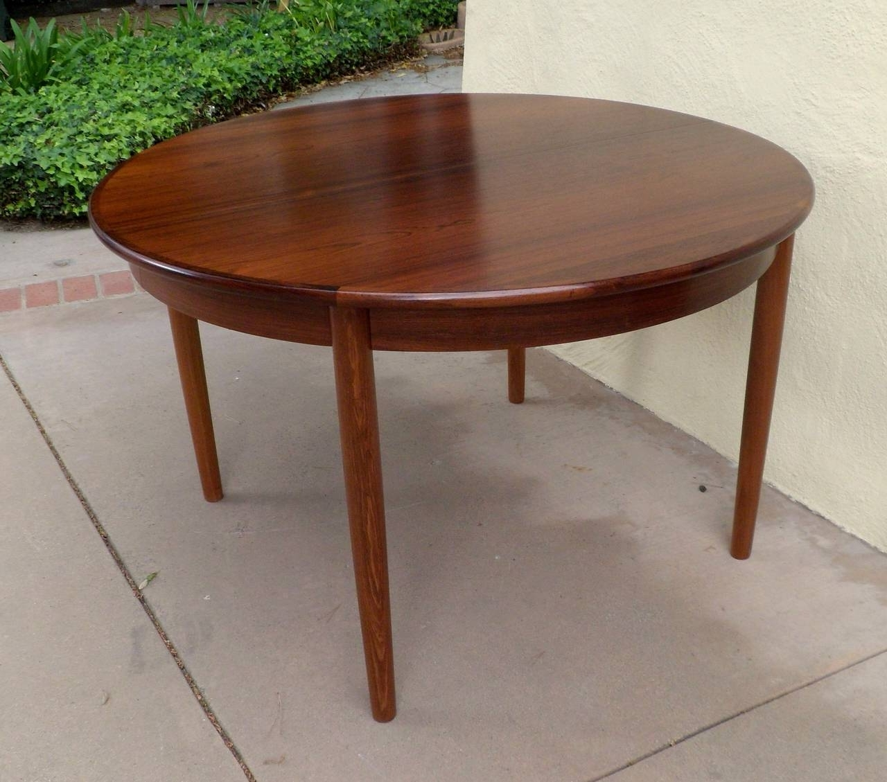 Danish Mid Century Modern Extendable Rosewood Dining Table With Regarding Well Liked Danish Dining Tables (View 12 of 25)