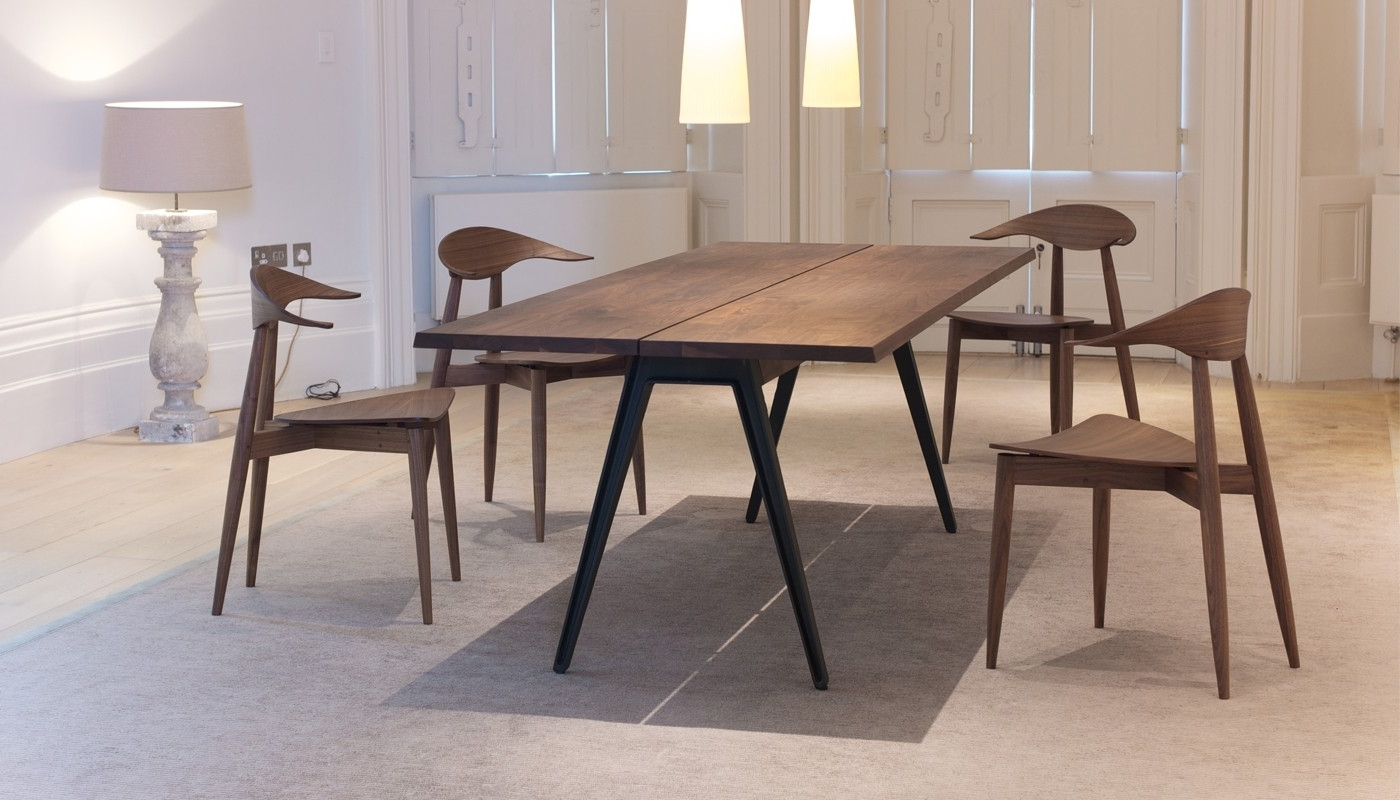De La Espada Welles Large Dining Table Danish Oiled Walnut (Gallery 15 of 25)