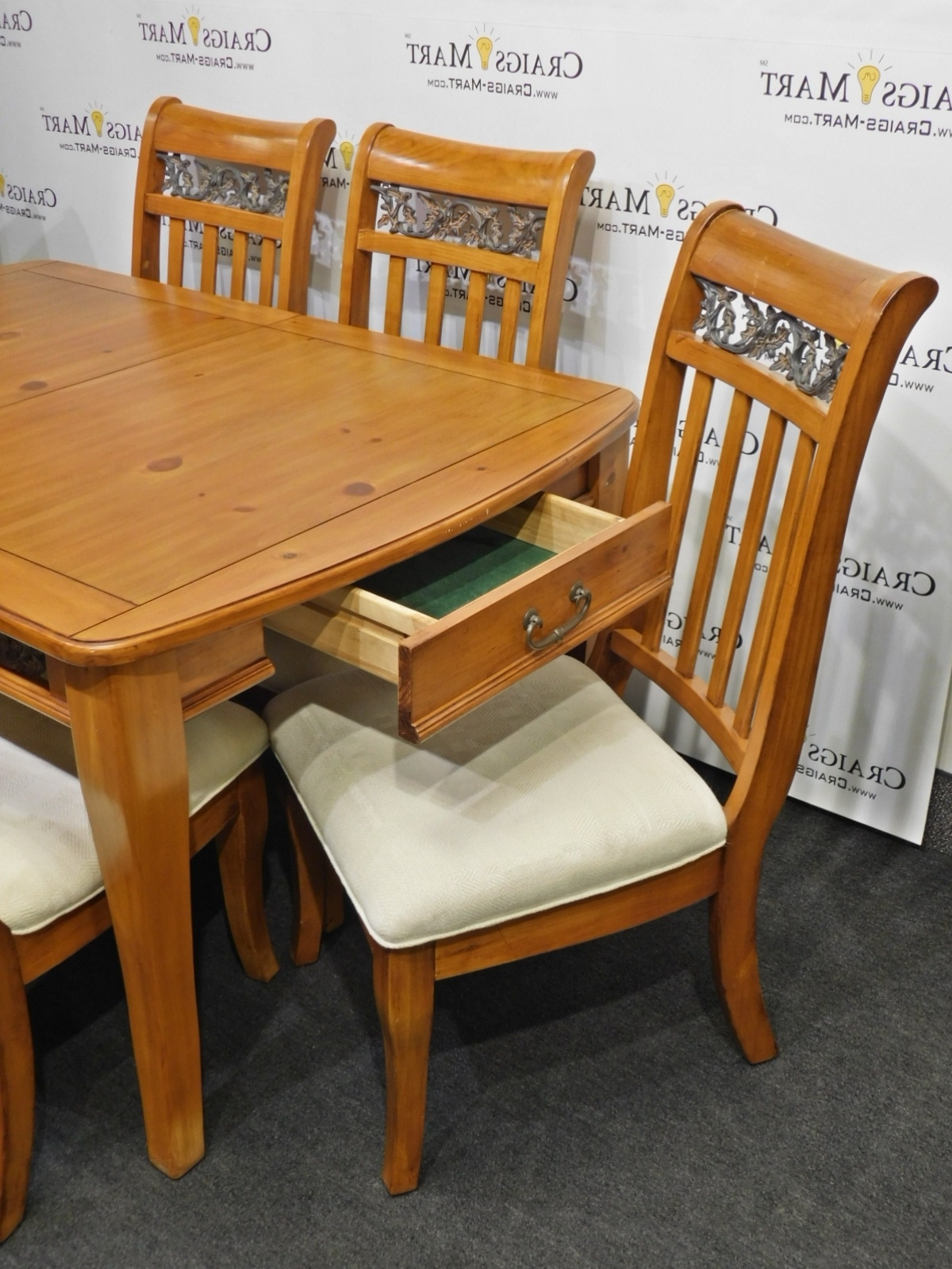Dining Tables And 8 Chairs With Regard To 2018 Dining Table With 8 Chairs And Leaf (View 20 of 25)